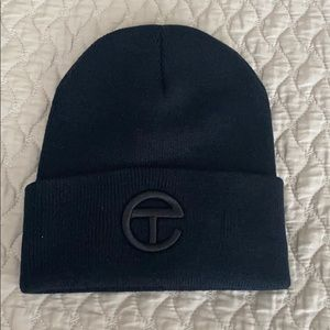 💯 AUTHENTIC Telfar Logo Embroidered Beanie
